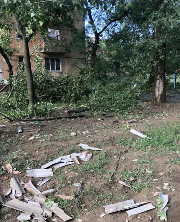 Ураган в Горловке повредил десятки домов